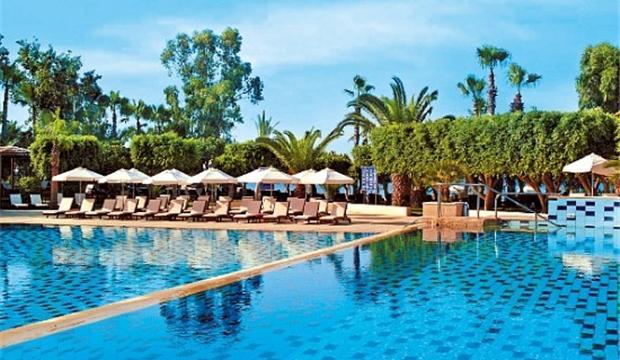 высокий уровень сервиса, хороший пляж, питание на должном уровне. Все включено! Идеально подойдет для романтичного отдыха!