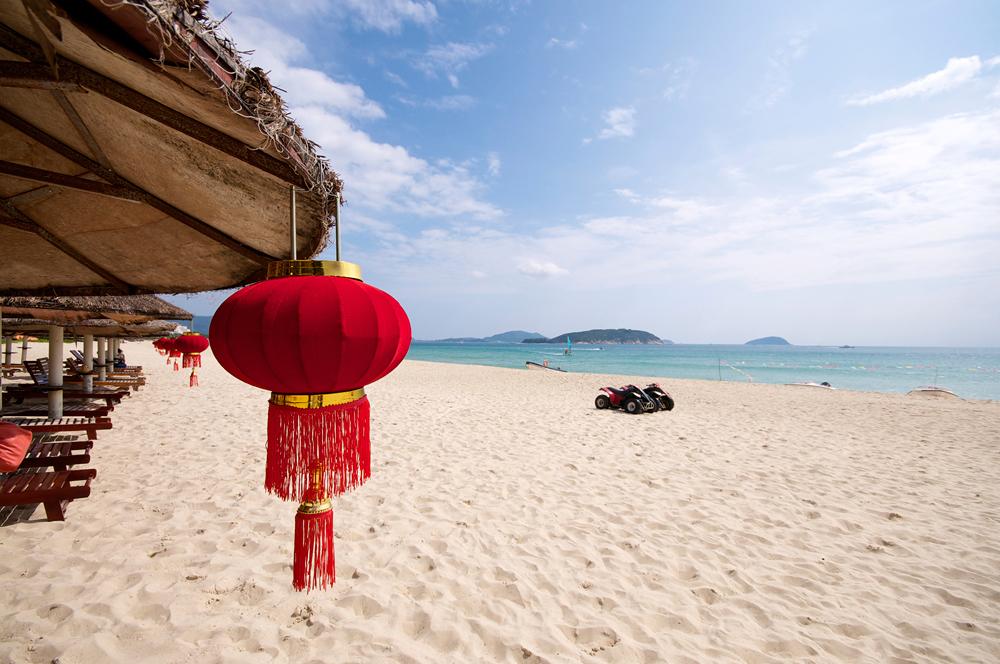 Встречаем Новый год 2015 на белоснежных пляжах острова Хайнань! Прямой перелет