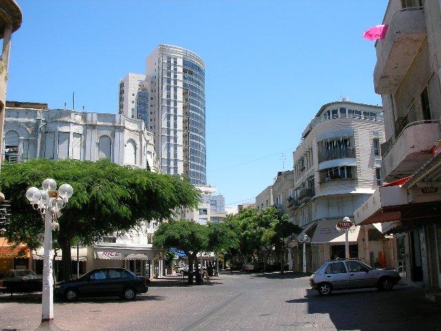 На улицах Тель-Авива